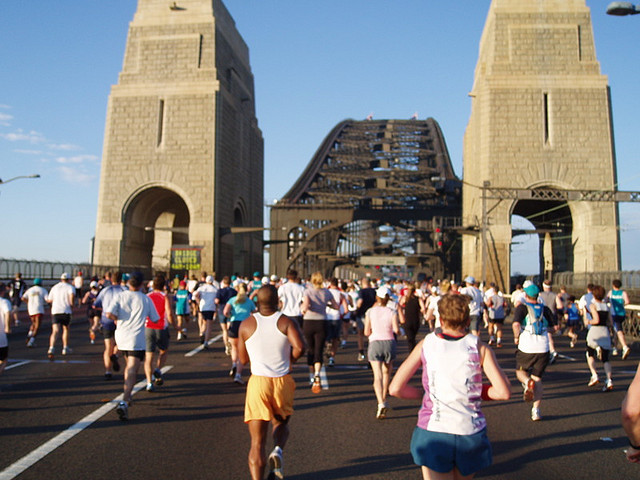 Blackmores Half Marathon crossing the Harbour Bridge. Photo from Charlie Brewer, used via Creative Commons license.
